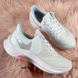 New Nike Zoom Winflo 6 Women's Running Sneakers